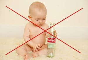Бебе и газирани напитки